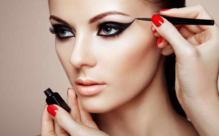 Professional Makeup in Old Jakkanpur